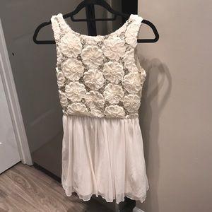 Dresses & Skirts - Sequined Detailed Flower Dress